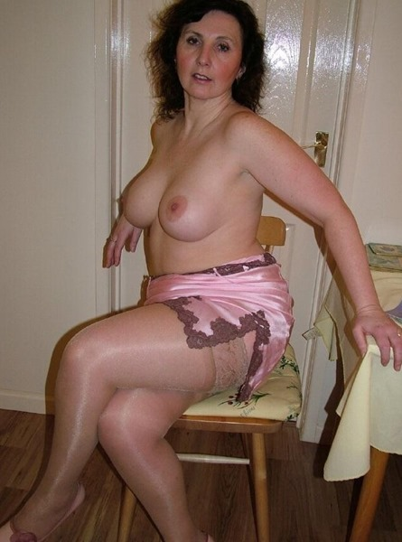 mature-erotic-woman-with-great-tits