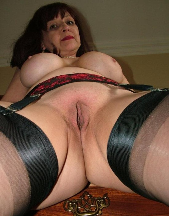 Thick sexy mom interested in new cock